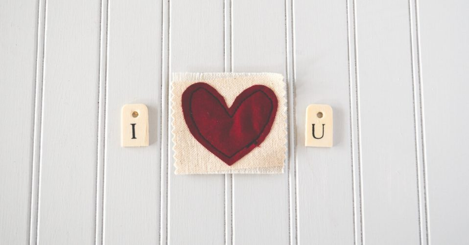 "a handmade craft that reads ""I love u"""